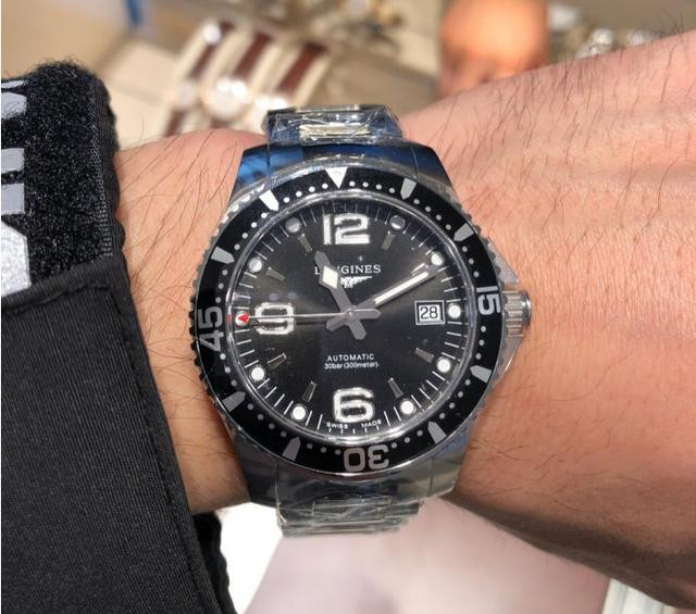 Large time scales improve the readability of Swiss Longines fake watches.