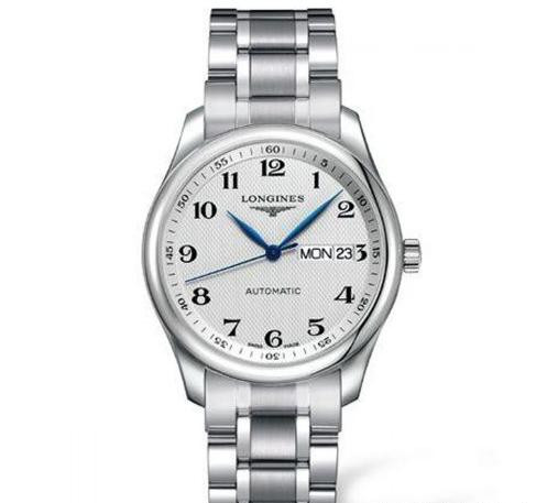 Simple Swiss fake watches styles are never out of time.