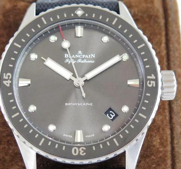 UK black dials Blancpain Fifty Fathoms replica watches are in concise design.