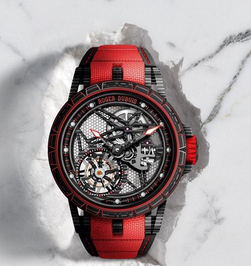 Red applied in black fake watches is outstanding.