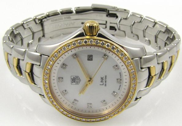 The female replica watches are decorated with diamonds.