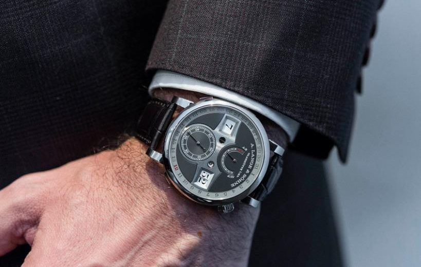The male copy watches have black dials.