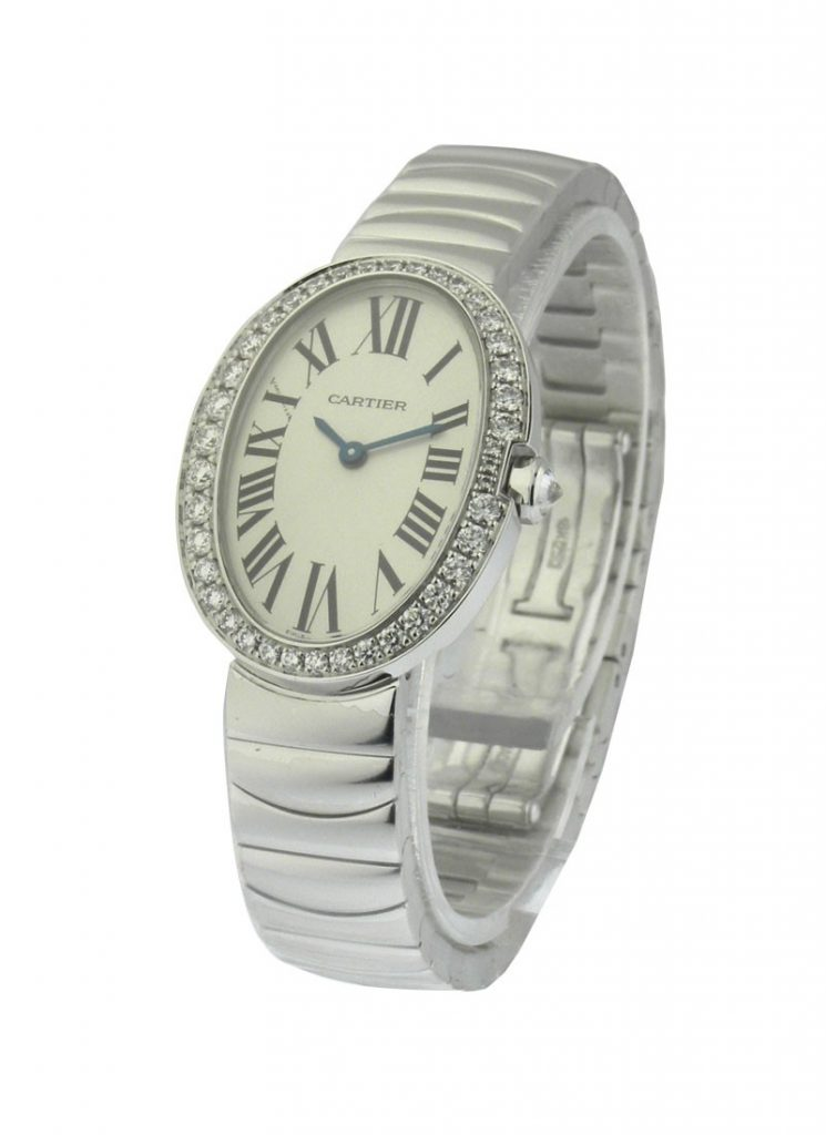 The 18k white gold fake watches are designed for females.